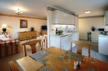 2 bed Apartment in Buckingham Palace Road...