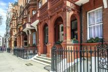 Flat to rent in Sloane Gardens, Chelsea...