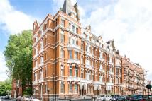 2 bed Terraced home to rent in Cadogan Gardens, London