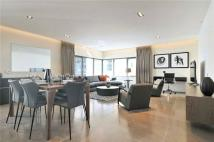 3 bedroom Flat to rent in Babmaes Street, London
