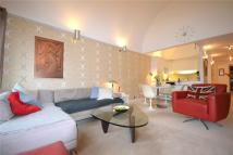 Flat to rent in Defoe House, Barbican...
