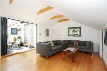 Flat to rent in Salusbury Road...