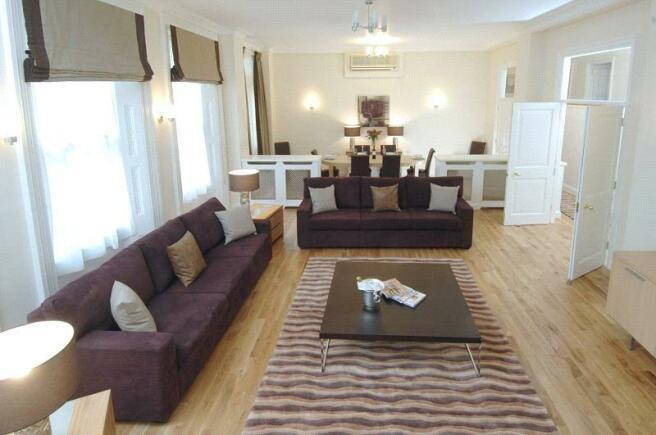 Lounge 4 bedroom