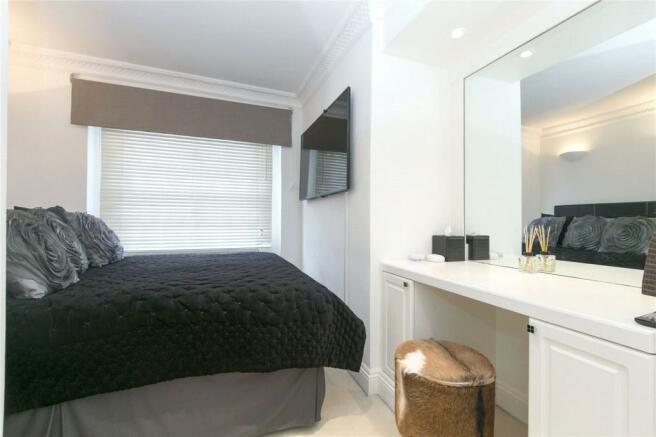 Bedroom Mews House