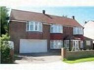 4 bedroom Detached home to rent in Edwin Avenue South...