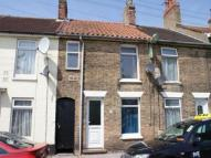 2 bed Terraced house to rent in Raglan Street, Lowestoft...