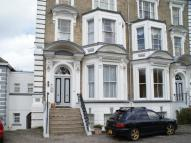 Flat to rent in North Parade, Lowestoft...