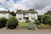 4 bed Detached house in Woodcote Valley Road...