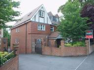 2 bed Flat in Russell Hill, Purley