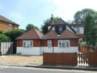 3 bed semi detached property in Violet Lane, Croydon