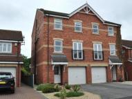 3 bed Town House to rent in Shuttle Close...