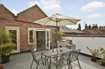 Flat for sale in Thame, Oxfordshire