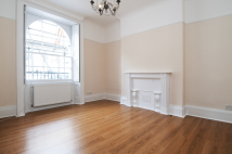 Gloucester Place Ground Flat to rent