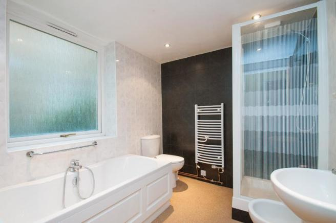 Basement_Bathroom.jp