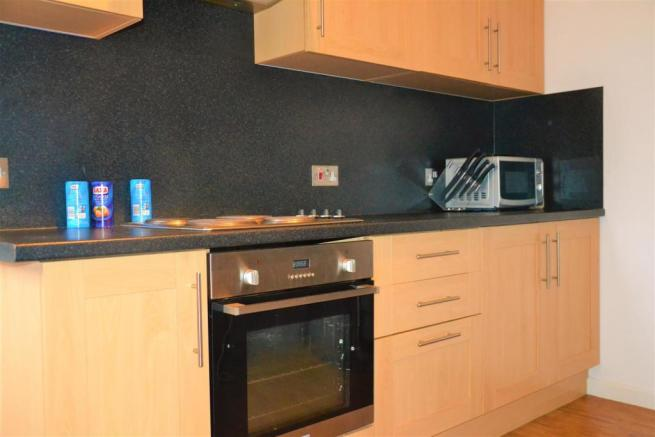 Flat1Kitchen1.JPG