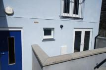 2 bed Ground Flat in Flat , Exeter Street...