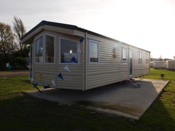 3 Bedroom Mobile Home For Sale In Naze Marine Park Resorts Walton On The Naze Co14
