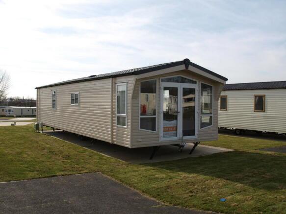 2 bedroom mobile home for sale in atlas status highfield grange clacton co16 9yq co16