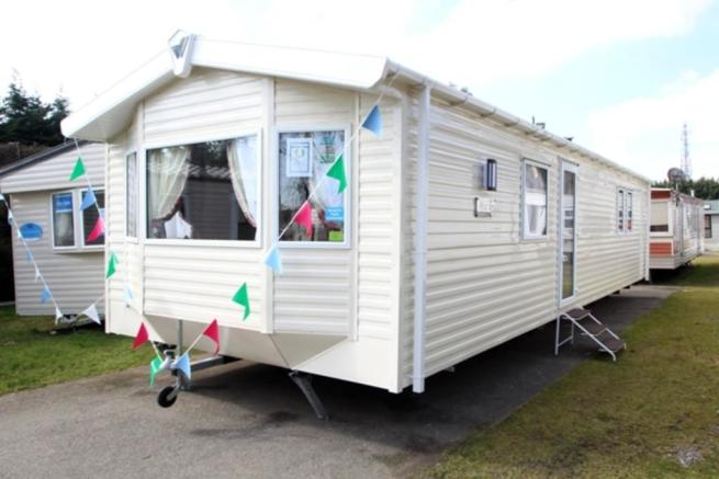 3 Bedroom Mobile Home For Sale In Willerby Rio Gold 2016 Co15 6ly Co15