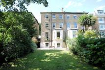 Ground Flat to rent in Maple Road, Surrey