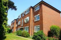 2 bed Flat in Russell Court...