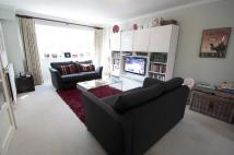 3 bed home in Outram Place, Weybridge