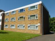 Flat to rent in Birdhurst Road, Croydon...