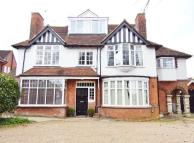 Flat to rent in Plough Lane, Purley...
