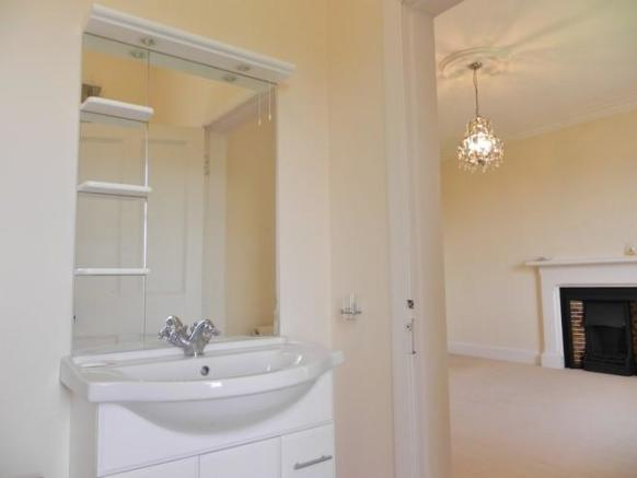 En suite to bedroom (Property Image)