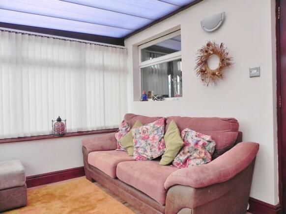 Sun room 1 (Property Image)