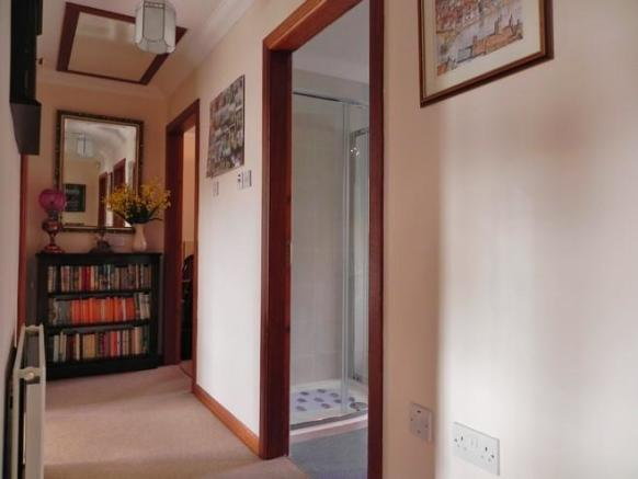 Hall (Property Image)