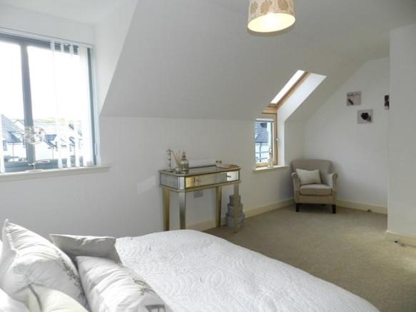 4 Mulloch View Bedroom 1 2 (Property Image)