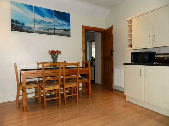 Riverside Cottage Kitchen 3 (Property Image)