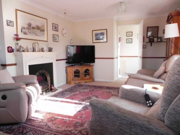 Main lounge [property images]