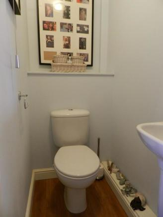 Cloakroom (Property Image)