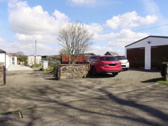 Garage 1 (Property Image)
