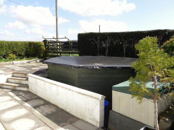 Swimming Pool (Property Image)