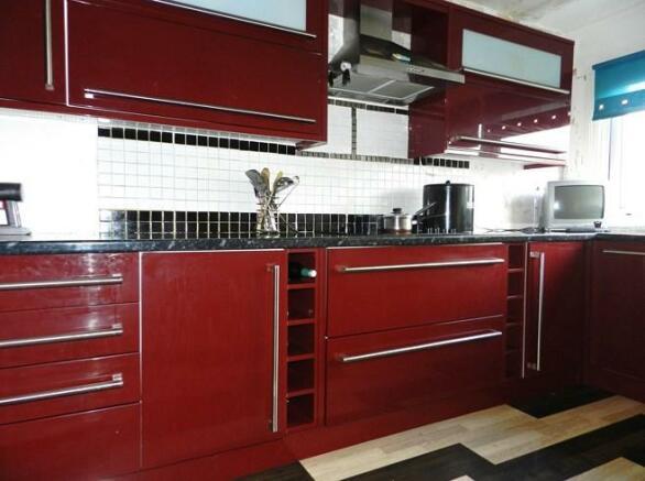 33 Carrick Road Kitchen 2 (Property Image)