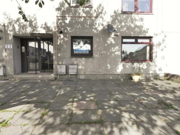 Front 18 Millpark Crescent (Property Image)