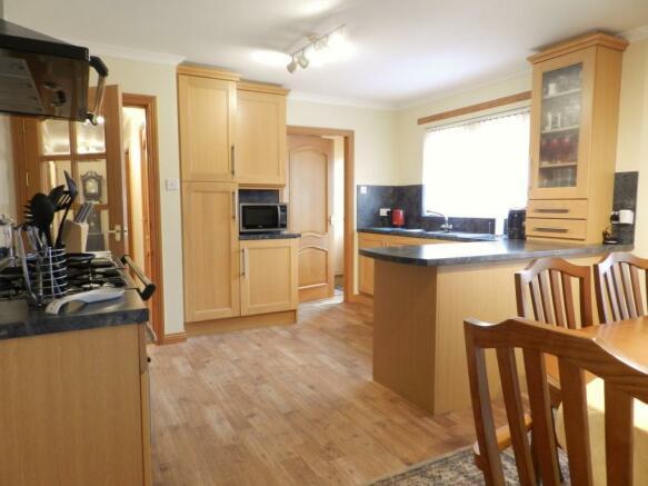 Main Dining Kitchen (Property Image)