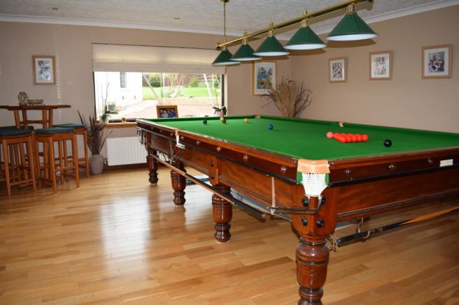 Games Room (Property Image)