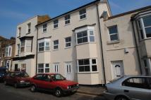 Town House to rent in Bath Road, Cliftonville...