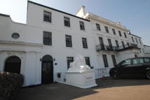 Flat to rent in Kingsgate Bay Road...