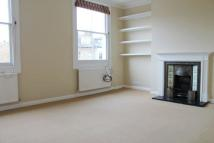 Flat to rent in Bassein Park Road, W12