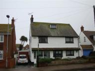 4 bedroom Detached house in Kings Ave, Minnis Bay...