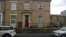 Bungalow to rent in Edmund Street, Bradford...
