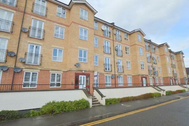 1 Bedroom Apartment For Sale In Marlborough Court Town Centre Luton Lu1 1rw Lu1
