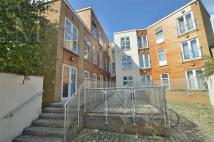 Dean Court Flat to rent