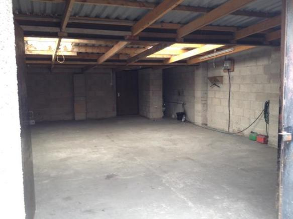 Garage To Rent In Newport Road Tremorfa Cardiff Cf24 Cf24
