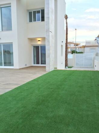 3 bedroom Detached villa in Torrevieja, Alicante